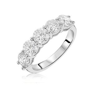 9a83ef9889af11 18ct white gold 5 stone round brilliant cut diamond in claw setting. Diamond  total carat weight D2.62ct